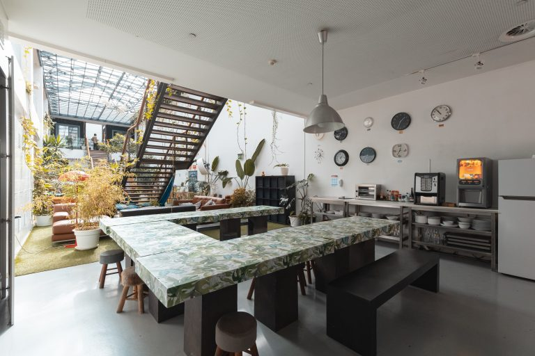 Hostel Photos: kitchen-lx.jpg