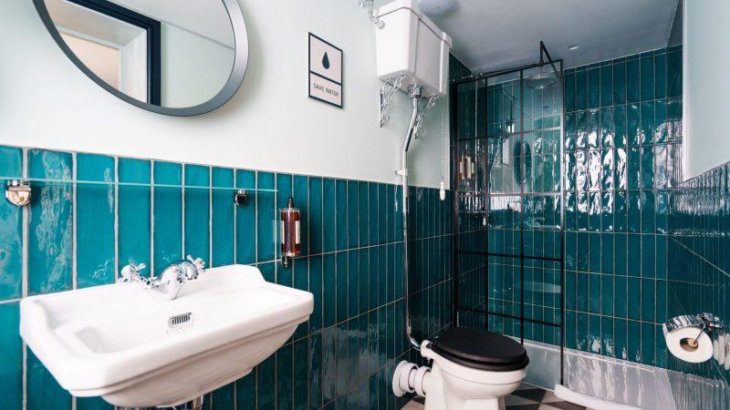 OTA-Selina_Camden_Community Room_Bathroom_04-2021_Credits_@Photobenphoto_2