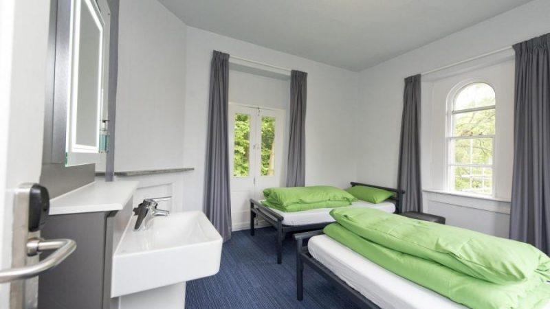 YHA-Bath-Bedroom-2