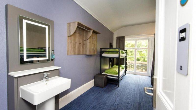 YHA-Bath-bedroom