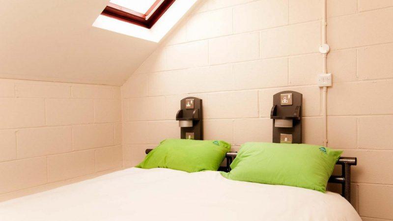 YHA_York_courtyard_bedroom