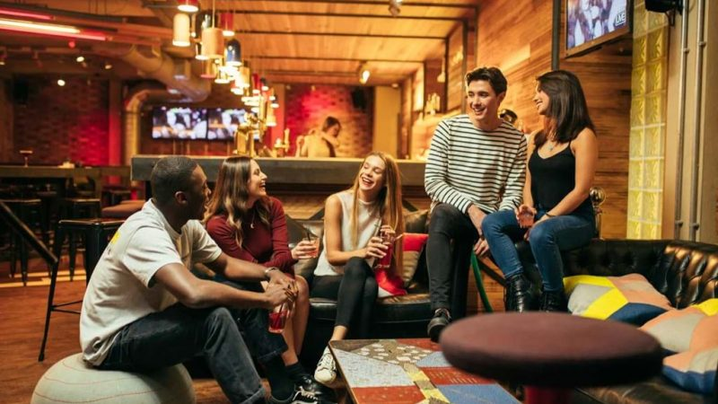 generator-london-lifestyle-guests-lounging