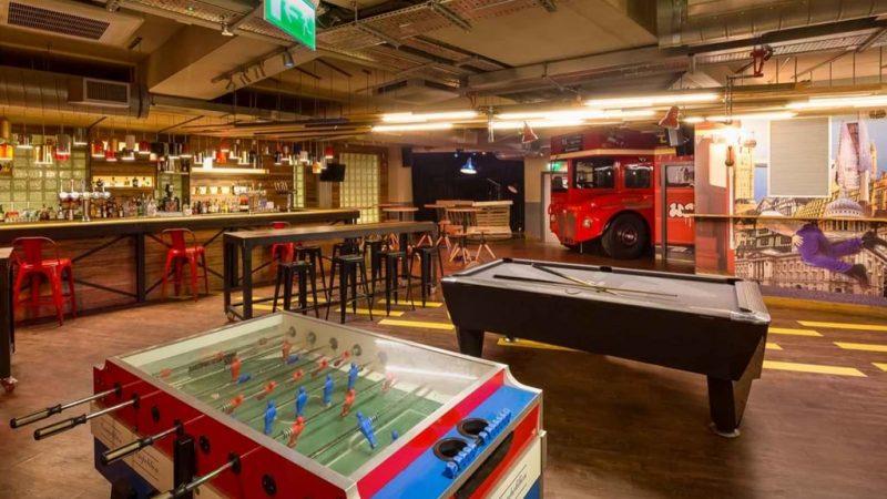 lon_interiors_bar-foosball_hr_sinue-serra_